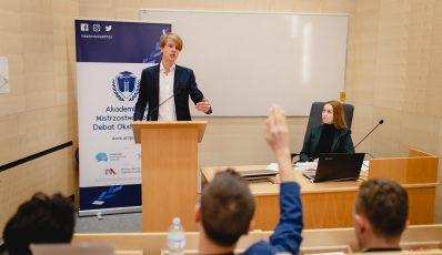 Patronujemy V edycji Akademickich Mistrzostw Polski Debat Oksfordzkich